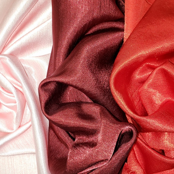 Rent Tablecloths Pink, Red & Burgundy